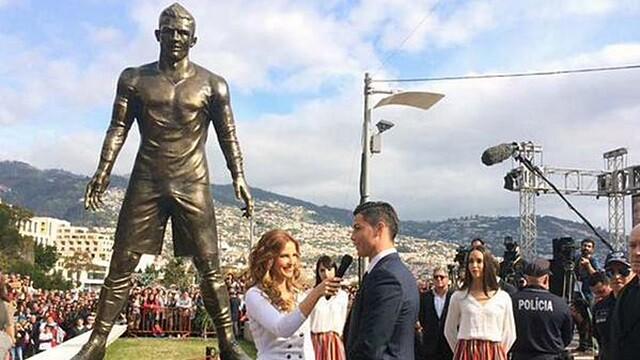 Cristiano inaugura su estatua en Madeira
