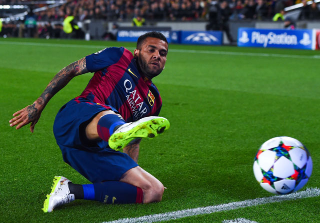 """Dani Alves está """"triste"""" por la oferta del Barça"""