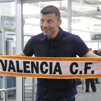 Djukic presume de bufanda del Valencia