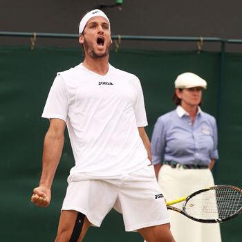 Feliciano remonta dos sets; Ferrer, eliminado