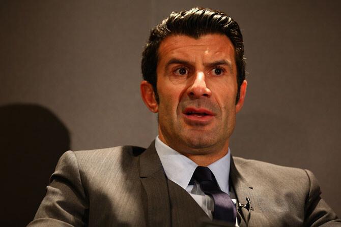 Figo abandona asqueado la carrera por la presidencia de la FIFA