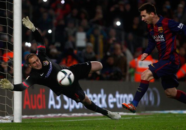 Decide una jugada tonta con gol de Messi