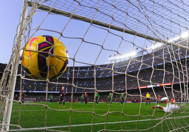 Gol de Leo Messi al Levante en el Camp Nou