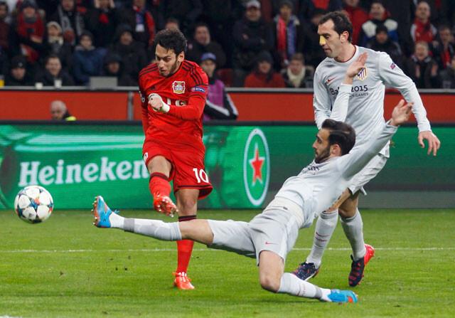 El Atlético prueba su propia medicina contra el Leverkusen (1-0)