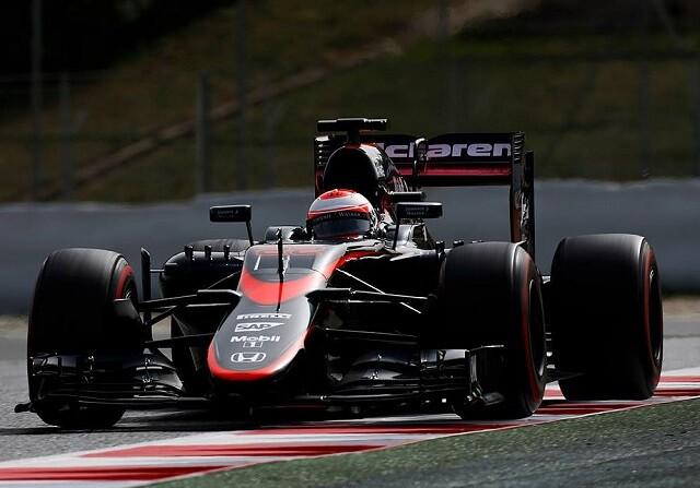 Jenson Button en el test de Barcelona