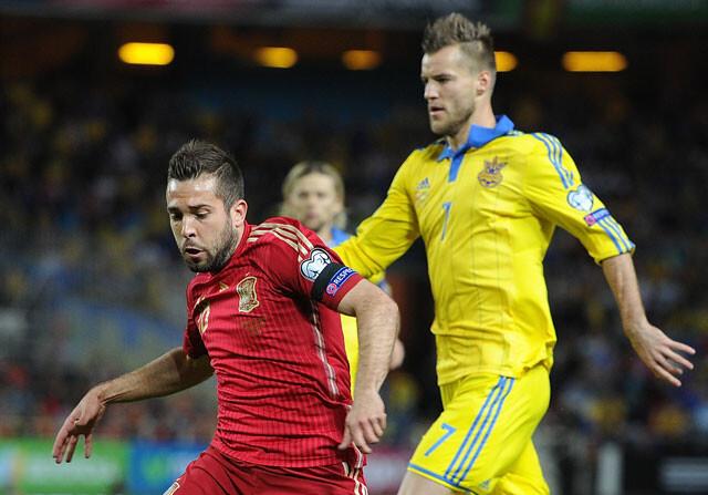 Jordi Alba regresa a Barcelona por lesión