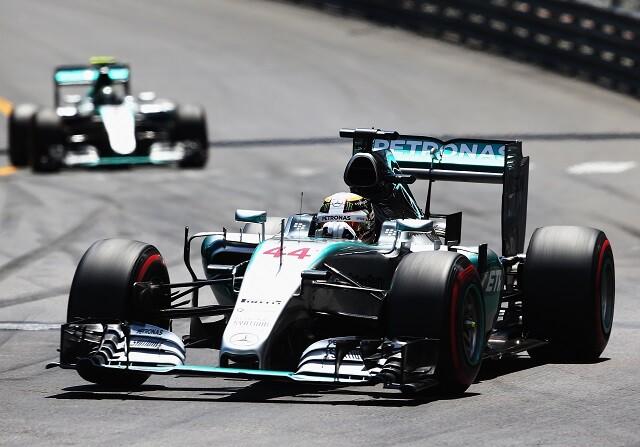 El enfado de Hamilton y las disculpas de Mercedes
