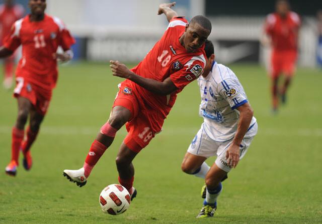 Luis Tejada, con su Selección