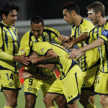 Óscar García y Jordi Cruyff dan la liga al Maccabi diez años después