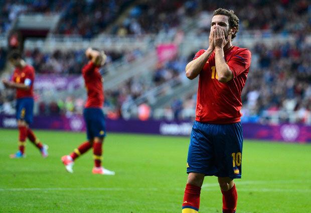 Juan Mata, durante el España-Honduras de Londres 2012