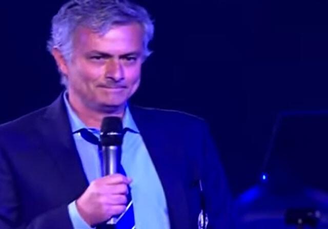 Mourinho ridiculiza a sus rivales en un hilarante discurso