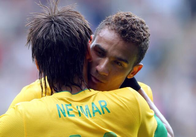 Neymar trató de convencer a Danilo para que fichara por el Barcelona