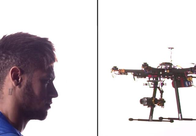 Neymar tumba drones a pelotazos