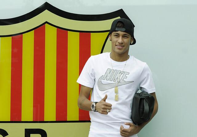 Neymar recibe el alta para jugar ante el Málaga