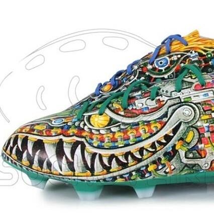 Las 10 botas de fútbol más sorprendentes del año - SPORTYOU 9f1487ecf297a