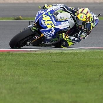 Rossi vuelve a ganar