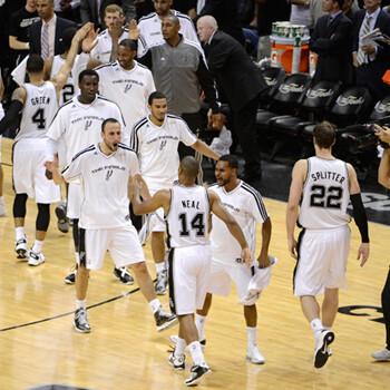 San Antonio Spurs pasa por encima de Miami