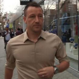 Pillamos a John Terry en el Bernabéu