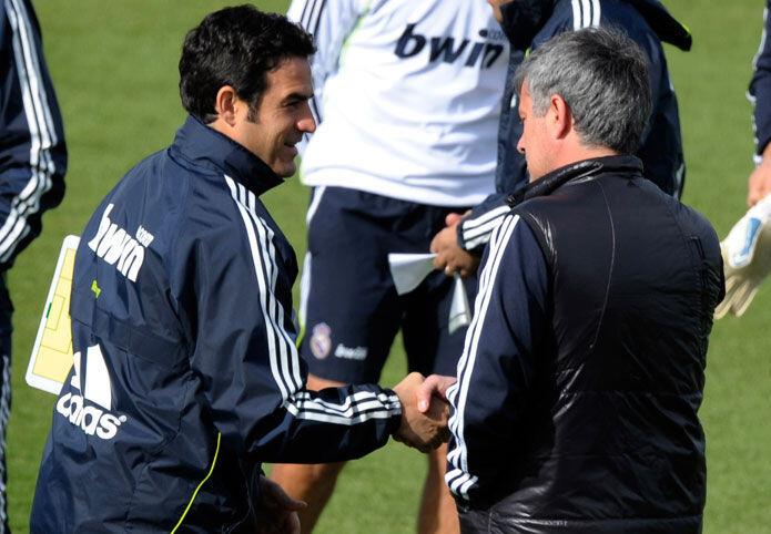 El último debate del Real Madrid ha girado en torno a la idoneidad de Nacho  para jugar en el primer equipo como lateral izquierdo. bdba8ed9d3067