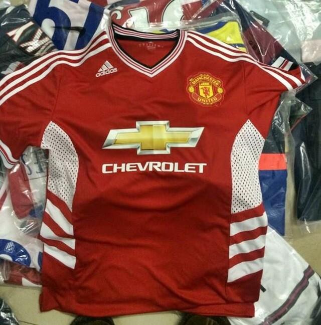 FOTO. Se filtra la camiseta Adidas del Manchester United 2015 16