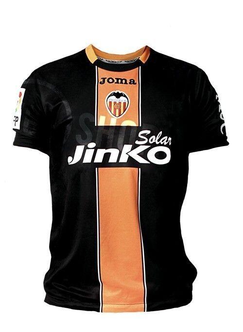 e91321fca3eb2 Así es la nueva camiseta del Valencia