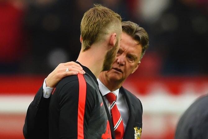 """Van Gaal: """"Creo que De Gea seguirá en el Manchester"""""""