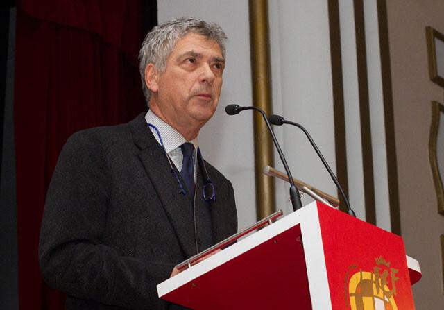 Ángel María Villar toma el mando de la UEFA
