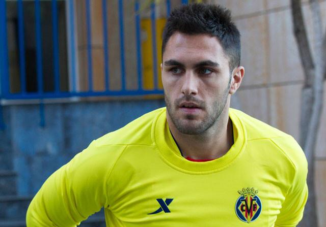 Víctor Ruíz se queda en Villarreal