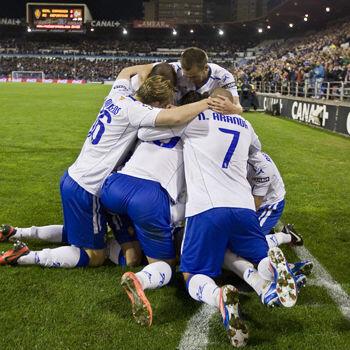 El Real Zaragoza celebra un gol ante el Deportivo