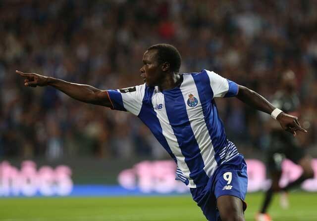 Vincent Aboubakar celebra un gol con el Oporto