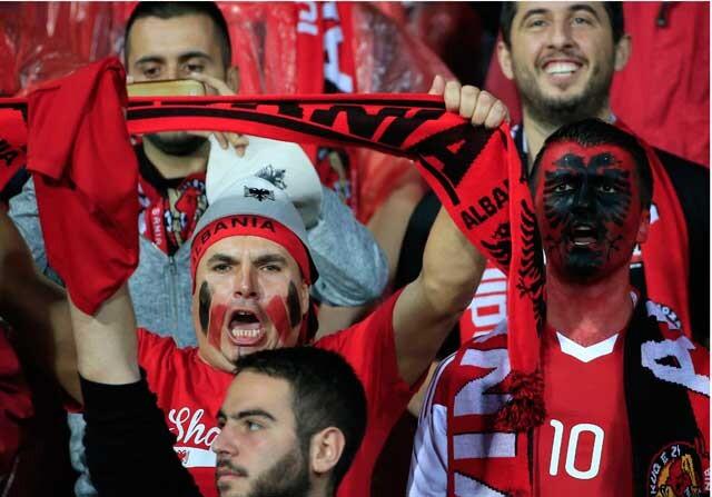 Aficionados de la Selección de Albania