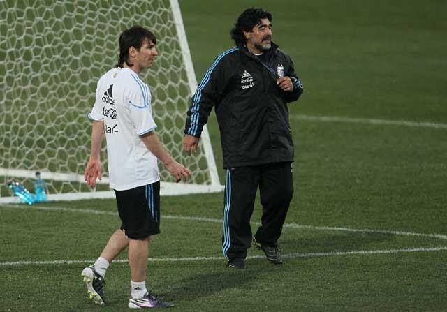 Leo Messi junto a Diego Armando Maradona