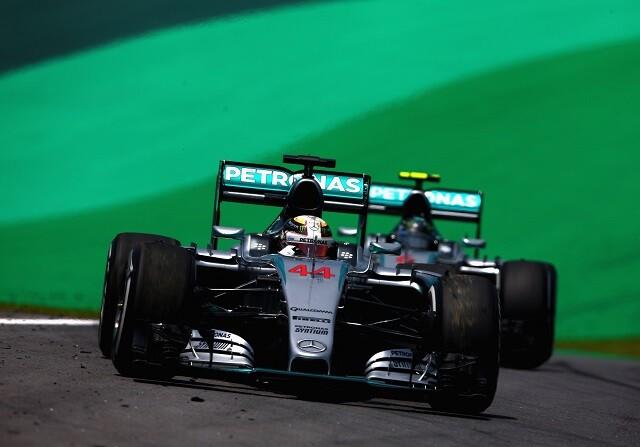 Lewis Hamilton y Nico Rosberg en Interlagos