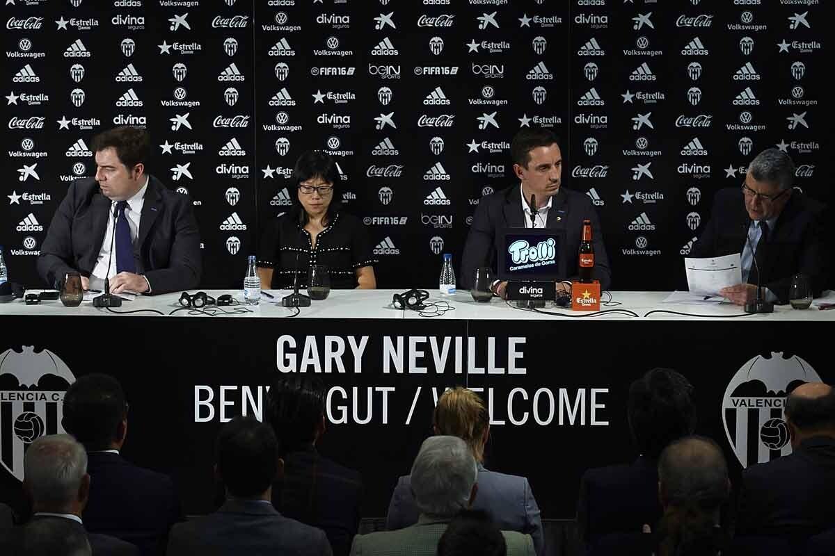 Gary Neville, en su presentación con el Valencia