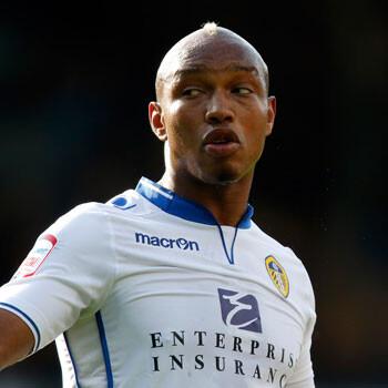 El Millwall investiga los insultos racistas de sus aficionados contra Diouf