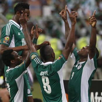 Nigeria celebra su clasificación para la final de la Copa de África